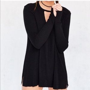 Black keyhole long sleeve top